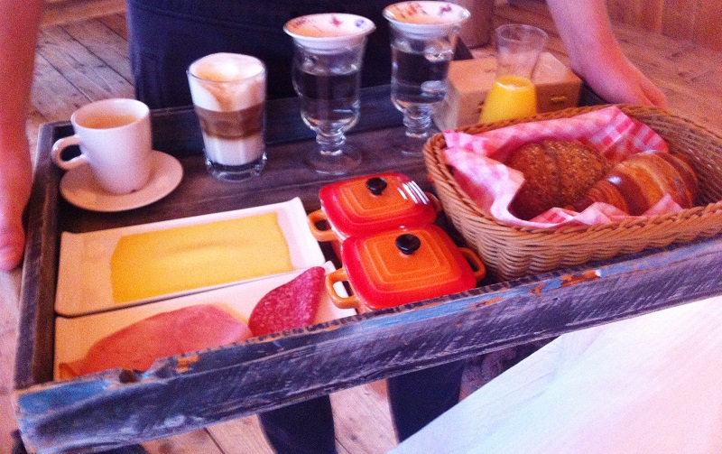 Ontbijt op bed van Guesthouse de Heide