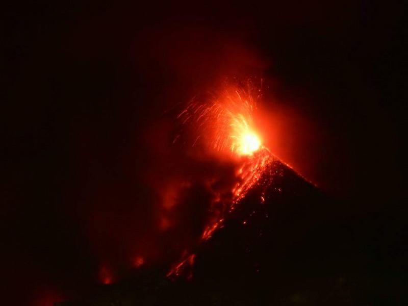 Actieve vulkaan Acatenango Antigua