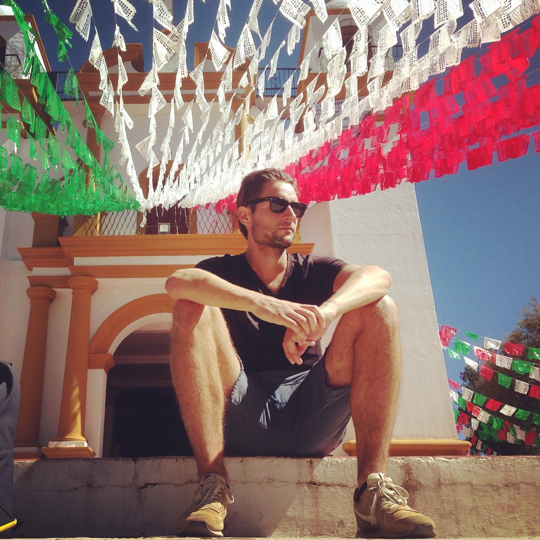 Uitkijken over het mooie en fijne San Cristóbal #sancristobal #mexico #wherewego #travel #travelgram #travelblogger #reizen #bacpacking #beautifuldestinations #city #church #wonderlust #kleurrijk